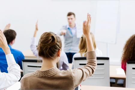 Alandaki Öğrencilere ve Uzmanlara Yönelik Eğitimler